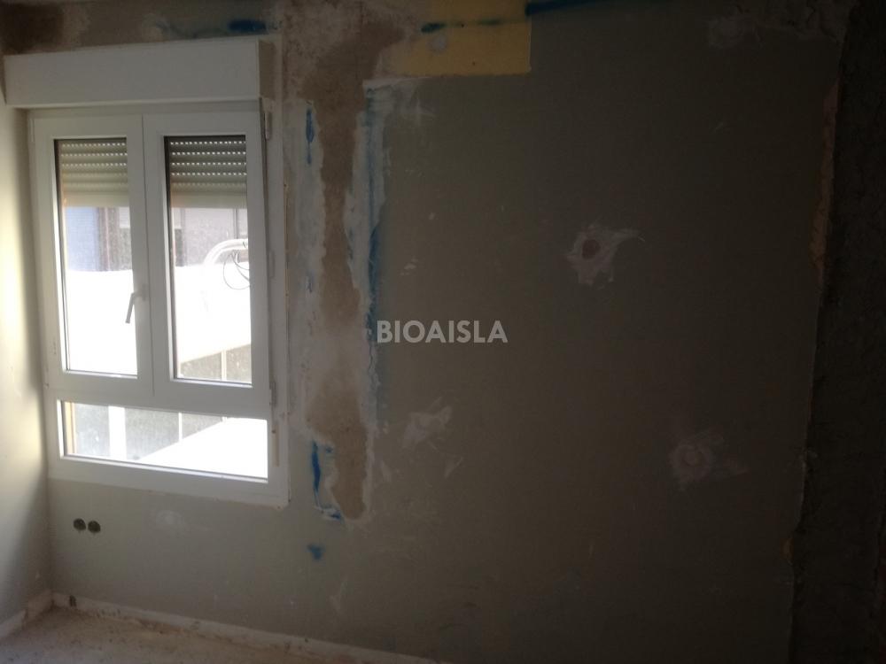 pared aislada y rematada piso la malagueta