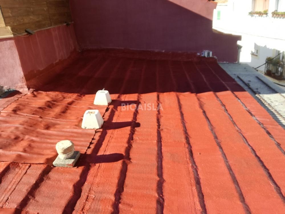 Tratamiento impermeabilizante con clorocaucho tejado